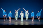 Mark Morris Dance Group in 'V' (photo Sharen Bradford)