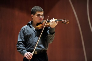 Violinist Gabriel Baeza (photo Ana Abruna)