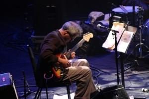 Guitarist Marc Ribot at Montreal Jazz (photo by Seth Rogovoy)