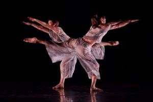 Trisha Brown Dance Company in 'Set and Reset' (photo Karli Cadel)