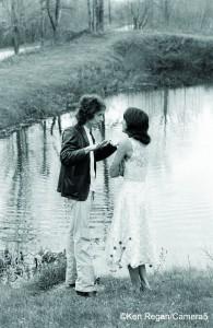 Bob Dylan and Joan Baez at Dream Away Lodge in Becket, Mass., 1975 (photo by Ken Regan)