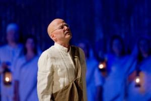 Richard Croft as Gandhi in Philip Glass's 'Satyagraha' (photo Ken Howard/Metropolitan Opera)