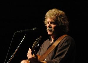 Tom Rush performing h